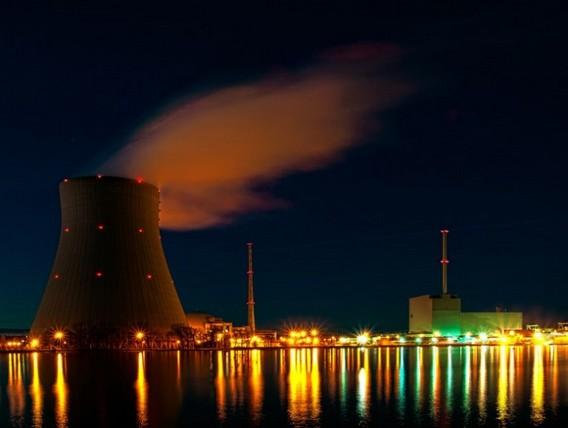 АЭС Изар. Германия. Световое оформление. Фото