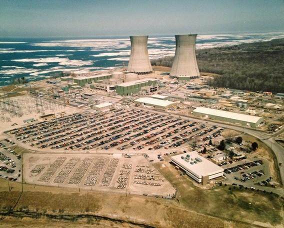 АЭС Перри. США. Фото
