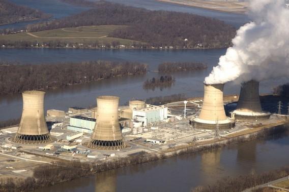 АЭС Три Майл Айленд в США. Фото