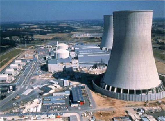АЭС Сиво. Градирни высотой 180 метров. Фото