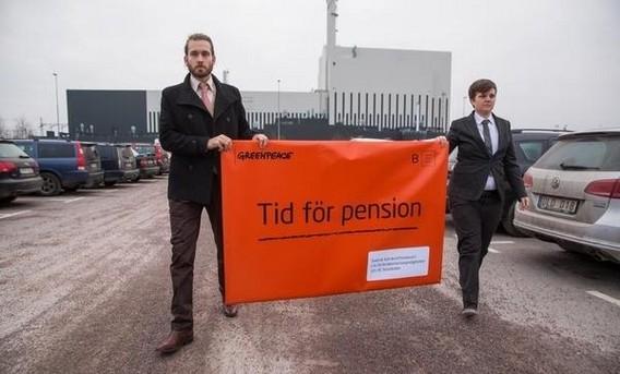 Акция Гринпис на шведских АЭС - Пора на пенсию