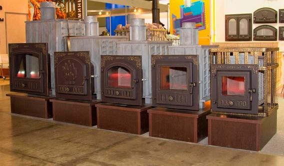 Пять банных печей стоящих в ряд от большой до маленькой марки ГЕФЕСТ