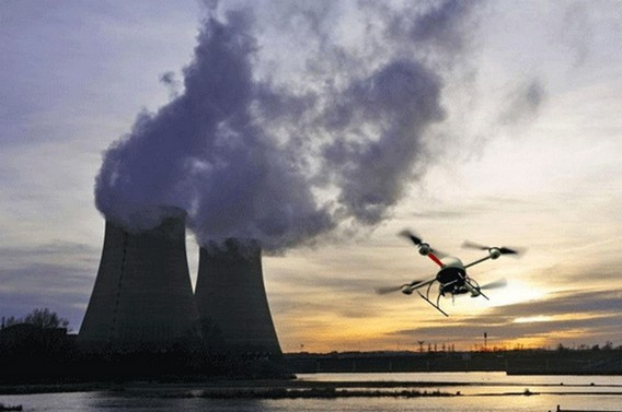 Беспилотники над АЭС Франции. Фото