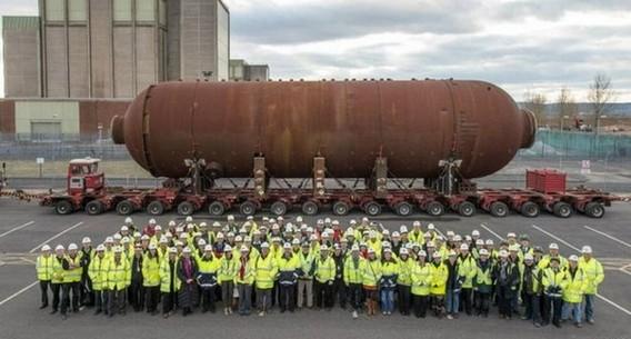 Демонтаж котла реактора Магнокс на АЭС Беркли. Великобритания