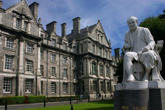 Дублинский Тринити Колледж в Ирландии