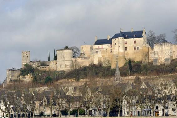 Город Шинон - туристический центр Франции