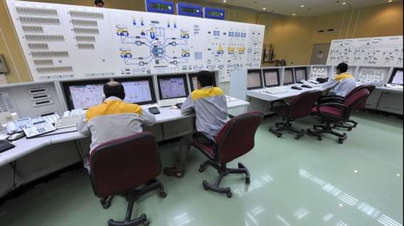 Иранские специалисты на АЭС Бушер
