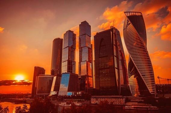 Москва сити на рассвете фото