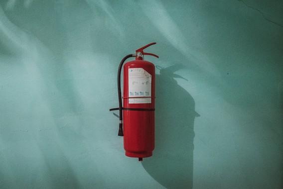 Углекислотный огнетушитель: применение при пожаре