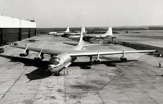 Стратегический бомбардировщик Convair YB-60