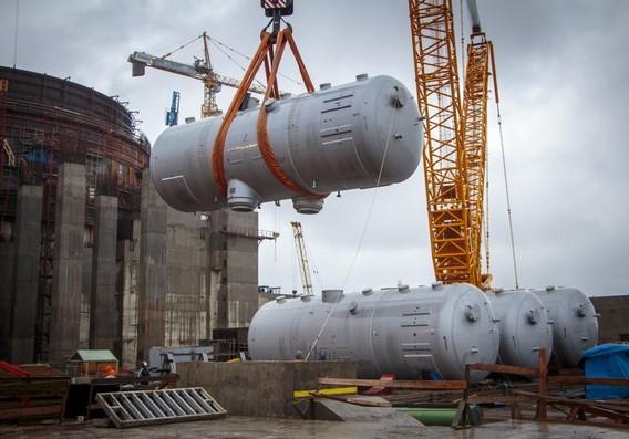 Такелажные работы по установке парогенератора на Ленинградской АЭС 2